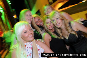 liverpool girls clubbing